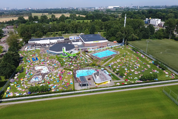 Wat kost een zwembad with wat kost een zwembad for Zelf zwembad aanleggen kostprijs