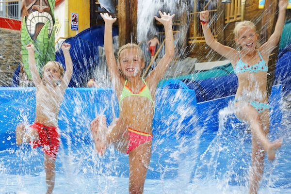 Tikibad spetteren in waterpark Playa