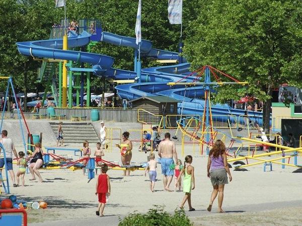 Beekse Bergen Zwembad.Subtropisch Zwembad Nederland Lijst Leuke Zwemparadijzen Grote