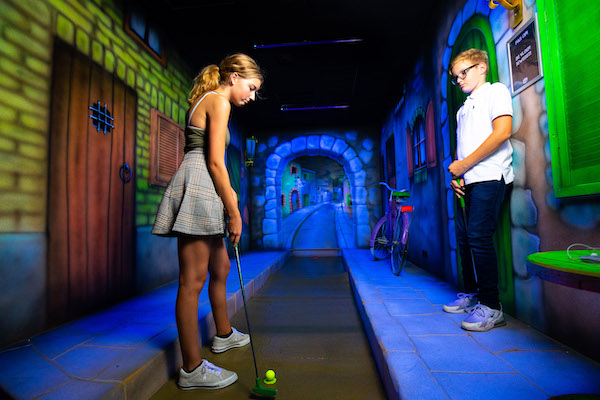 Fabriek Woerden Golf in the Dark