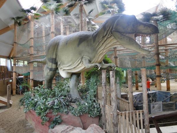 De Enorme T Rex In Indoor Speeltuin Dino Adventure Bij