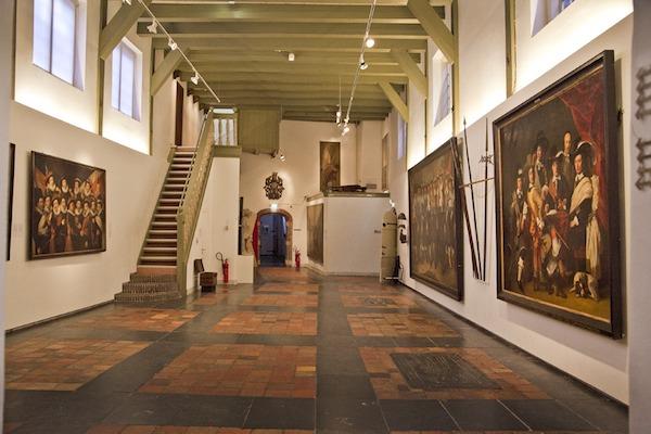 interieur prachtige schilderijen